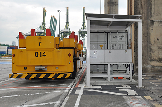 Stäubli's Automated Connection Device (ACD) at harbor logistics in Singapore