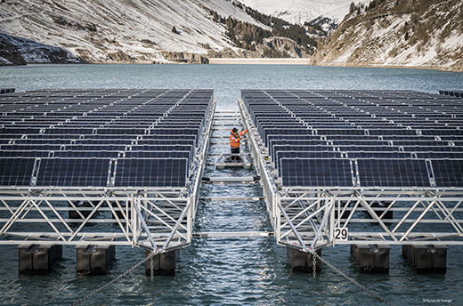 Installation of floating PV on the Lac de Toules in the Swiss Alps