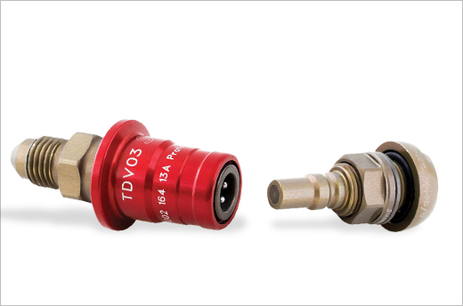 Stäubli's clean-break quick-coupling TDV 03 for motorsports