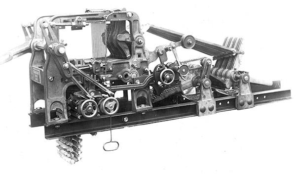 Stäubli AG - Historic_05-1937-Hde-2-cylinder@2x.jpg
