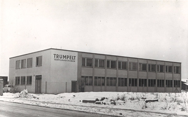 Stäubli AG - Historic_10-1969-Trumpelt-Dobby-Factory@2x.jpg