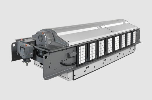 Die großformatige Jacquardmaschine LXXL von Stäubli ist für die Herstellung von schweren und dichten Geweben für Polstermöbel, Bekleidung, sowie OPW Airbags ausgelegt.