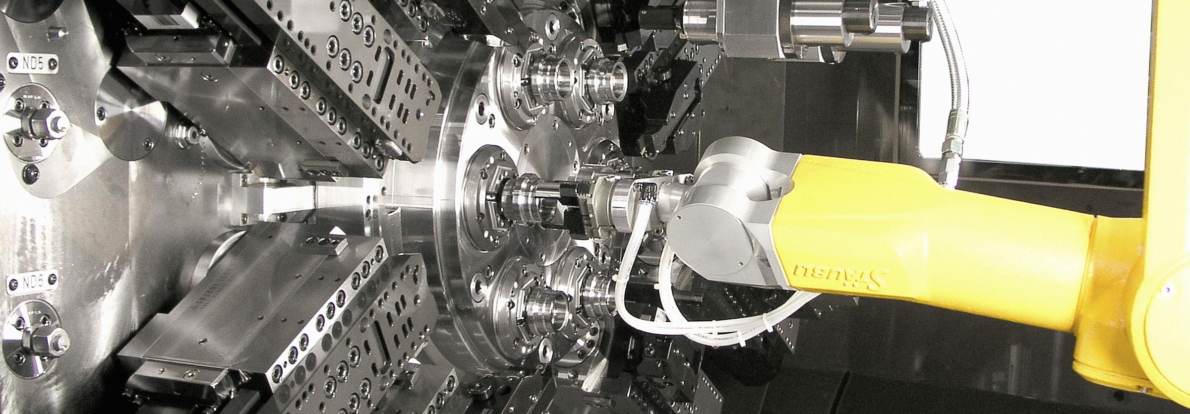 Stäubli AG - machine-tending-Index-robotic-solution-hip@2x.jpg