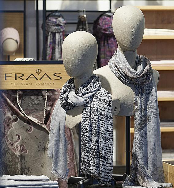 Stäubli AG - Fraas-premium-scarf-weaver-Board-member-dim_01.jpg