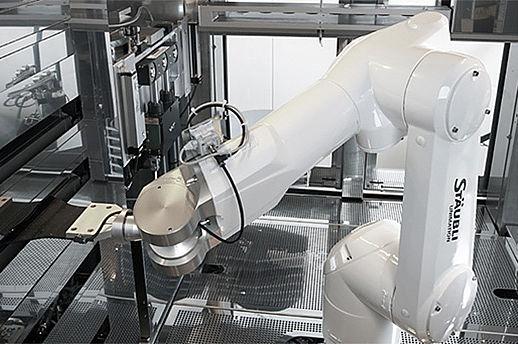 SÜSS MicroTec設備內搬運任務均由史陶比爾TX60L CR無塵室機器人完成