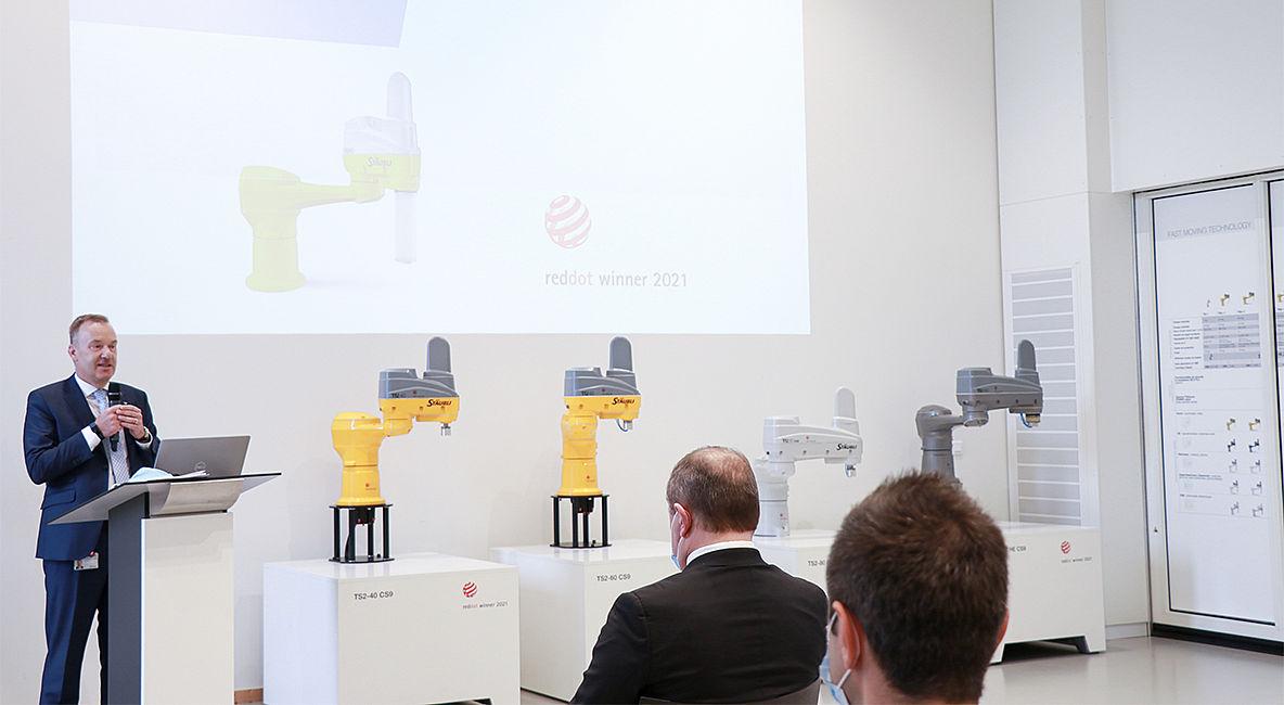Stäubli AG - Robotics-reddot-slider2-fim.jpg