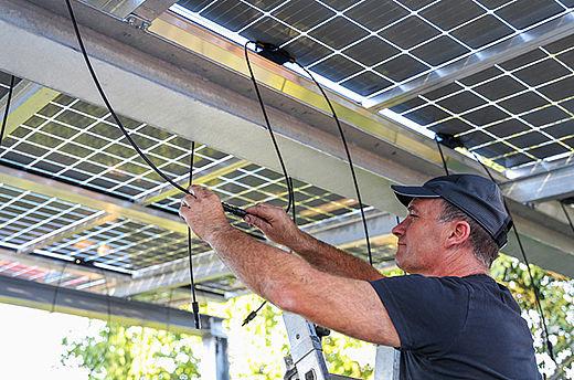 Utilizar conectores Stäubli MC4 originais evita incêndios em sistemas fotovoltaicos