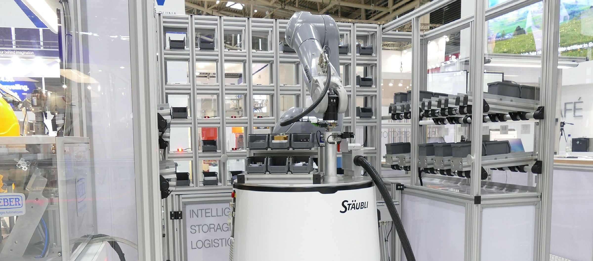 Stäubli AG - Automatica-HelMo-smart-production-him@2x.jpg