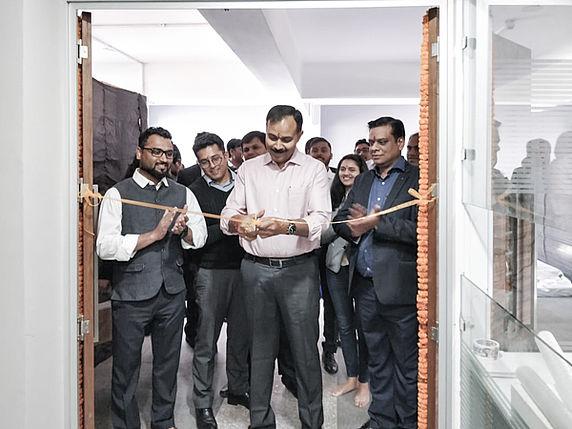 Stäubli AG - historic-40-Staeubli-India-New-Delhi-office@2x.jpg