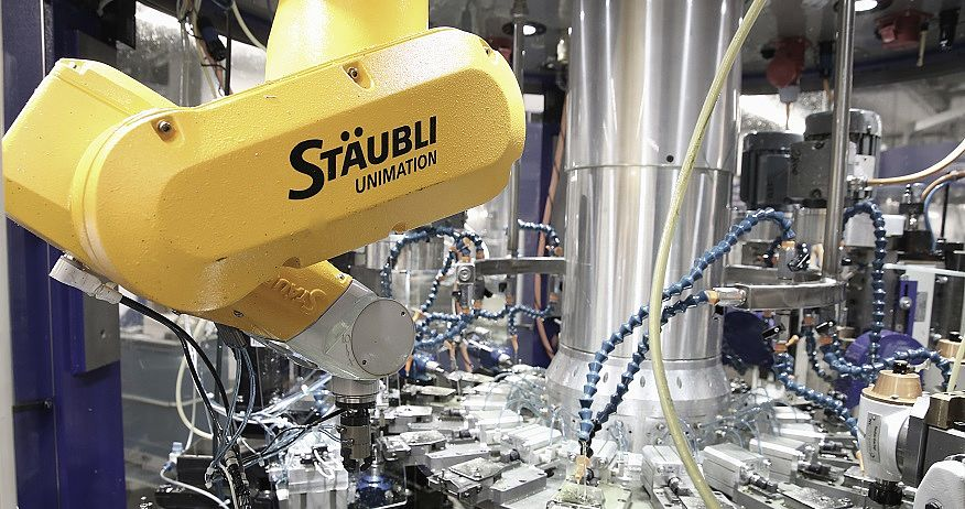 Stäubli AG - redtenbacher-machine-tools-six-axis-robot-pim@2x.jpg
